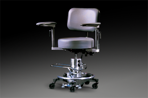 Reliance 500 series chair with hydraulic lift